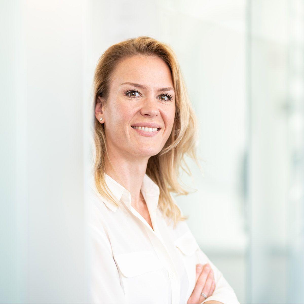 Zahnärztin Anne-Sofie-Hohl Implantologie und aesthetische Zahnmedizin